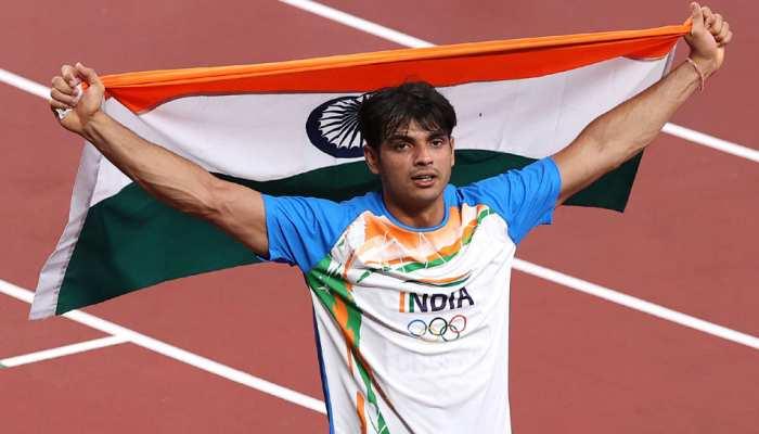 Neeraj Chopra के रगों में दौड़ता है Indian Army का खून, तिरंगे को देते हैं ऐसा सम्मान
