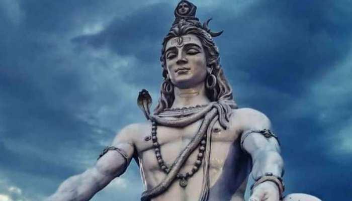 Nag Panchami 2021: इन शिव मंदिरों में Nag-Nagin करते हैं शिवलिंग की परिक्रमा, श्रद्धालु देखकर हो जाते हैरान