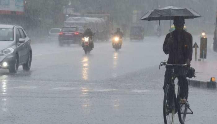 Madhya Pradesh Weather Update Heavy Rain Expected in 12 Districts mpas   MP  Weather: राज्य में होगी भारी बारिश, मौसम विभाग ने जारी किया Yellow Alert    Hindi News, MPCG Trending News