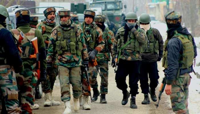 Jammu Kashmir: काजीगुंड में BSF के काफिले पर आतंकी हमला, सर्च ऑपरेशन जारी