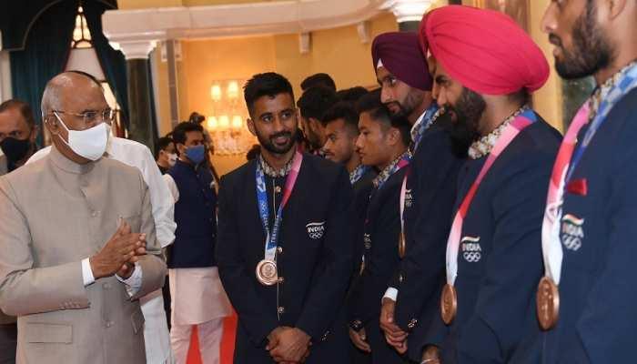 Independence Day: ओलंपिक खिलाड़ियों से मिले राष्ट्रपति कोविंद, बोले- देश की प्रेरणा हो तुम