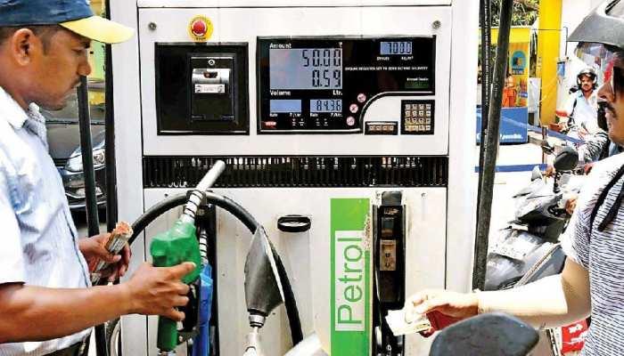 Petrol Price Today 20 August 2021: डीजल आज भी हुआ सस्ता, 3 दिनों में 60 पैसे घट गए दाम, 34 दिनों से पेट्रोल के भाव नहीं बदले