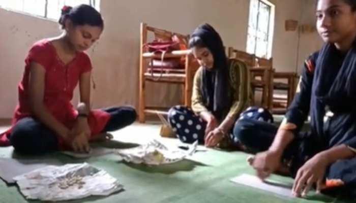 गोबर के बाद अब बांस की राखियां! आदिवासी महिलाओं ने बनाई ये खास राखियां