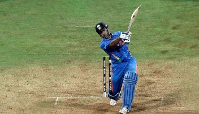 दुनिया के सबसे महंगे क्रिकेट बैट के मालिक हैं महेंद्र सिंह धोनी, कीमत जानकर उड़ जाएंगे आप के होश