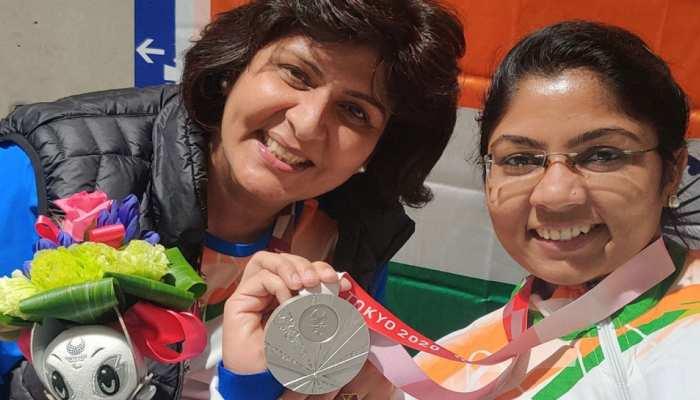 VIDEO: Tokyo Paralympics में Silver Medal जीतने के बाद Bhavina Patel के गांव में जमकर हुआ Garba Dance