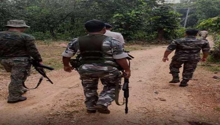 पलामू में पुलिस व नक्सलियों के बीच मुठभेड़, भारी मात्रा में हथियार बरामद