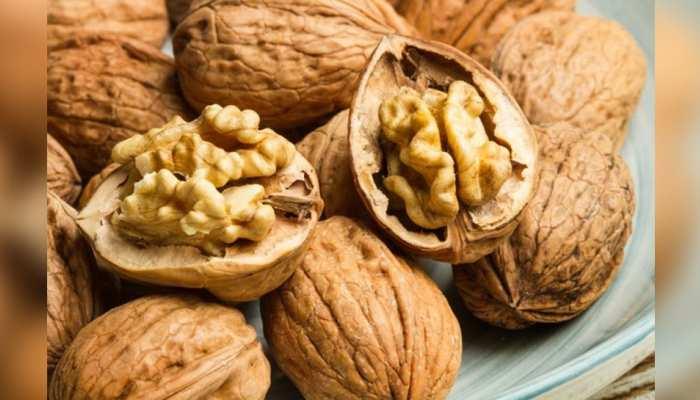 Benefits of Walnut: अखरोट खाने के ये फायदे नहीं जानते होंगे आप, रोज खाएंगे तो मिलेंगे 4 जबरदस्त बेनिफिट