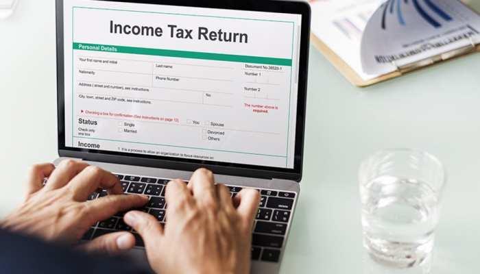 अब तक नहीं मिला Refund तो तुरंत करें अप्लाई, Taxpayers से इनकम टैक्स विभाग ने मांगा फटाफट रिस्पॉन्स