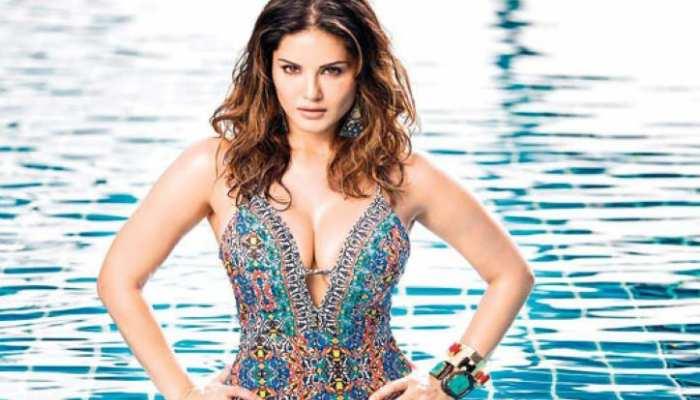 Sunny Leone ने फिर बढ़ाया इंटरनेट का पारा, टू-पीस पहन लगाया बोल्डनेस का तड़का