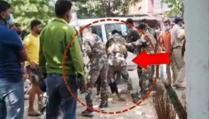चतरा में आर्मी जवान को पीटने के मामले ने पकड़ा तूल, सैनिक और सियासी संगठनों की दोषियों पर सख्त कार्रवाई की मांग