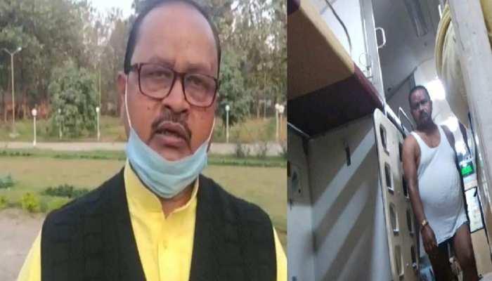 ट्रेन में अंडरवियर पहन घूमते गोपाल मंडल के खिलाफ दिल्ली में शिकायत दर्ज, लगा ये गंभीर आरोप