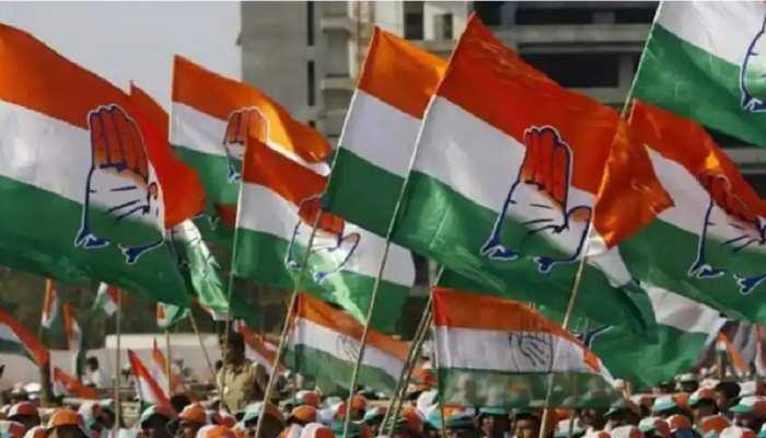 बिहार: बढ़ती महंगाई के खिलाफ कांग्रेस का हल्ला बोल, सड़कों पर किया प्रदर्शन
