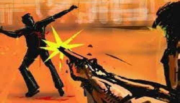 बिहार में अपराधी बेलगाम, घर के बाहर 2 लोगों की गोली मारकर हत्या