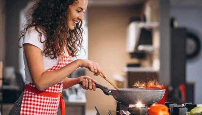 How to Reduce Spiciness: सब्जी में डल गई है ज्यादा मिर्च? तो आजमाएं ये 6 तरीके; कम हो जाएगा तीखापन