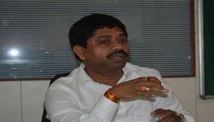 कैबिनेट मंत्री नंद गोपाल गुप्ता नंदी को कोर्ट से झटका, चलेगा बैंक मैनेजर को कत्ल की धमकी देने का मुकदमा
