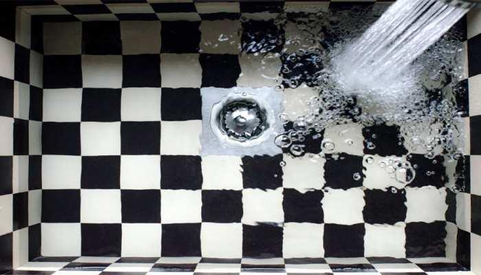 क्या आप बाथरूम की नाली जाम होने से हैं परेशान? तुरंत आजमाएं ये ट्रिक्स