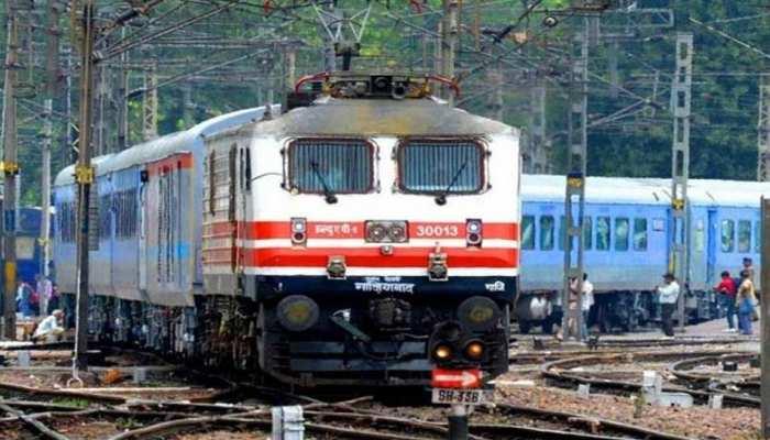 Indian Railways: रेल यात्रियों के लिए खुशखबरी! आज से शुरू हुईं दो फेस्टिव स्पेशल ट्रेनें, जानिए टाइमिंग और रूट