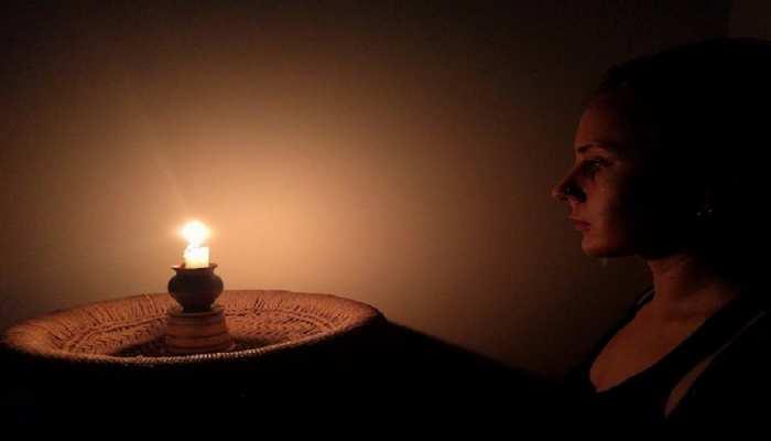 Trataka Meditation: कैसे किया जाता है त्राटक मेडिटेशन, जानें फायदे भी