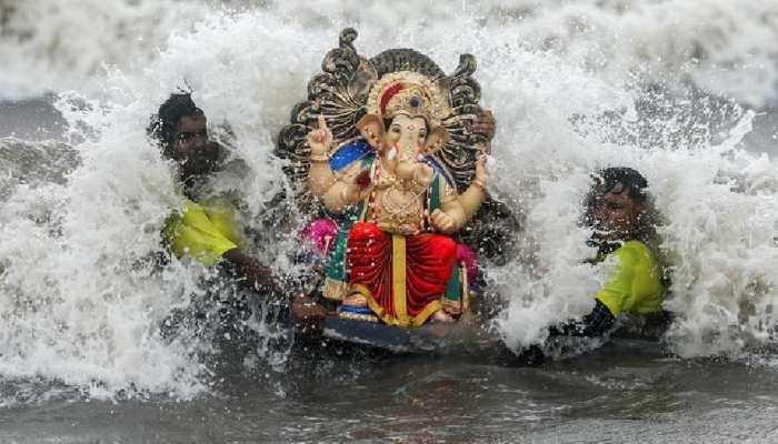 मुंबई में गणेश विसर्जन के दौरान हादसा, 5 बच्चे समंदर में डूबे