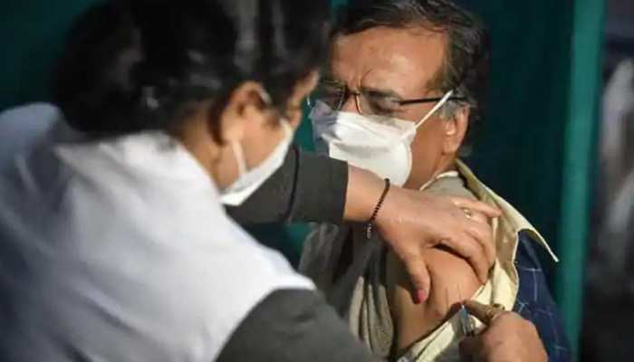 यूपी में बीजेपी नेता को 5 बार लगी कोरोना वैक्सीन! छठी की तारीख भी आई; जानें पूरा मामला