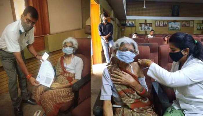 मोबाइल न होने से वैक्सीन के लिए भटकती रही बुजुर्ग महिला, टीका लगा तो नहीं रहा खुशी का ठिकाना