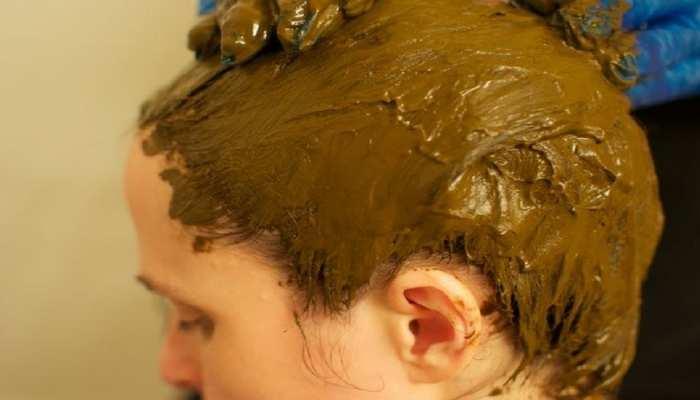 Hair Care Tips: बालों पर सिर्फ इतनी देर ही लगानी चाहिए मेहंदी, वरना होते हैं ये नुकसान