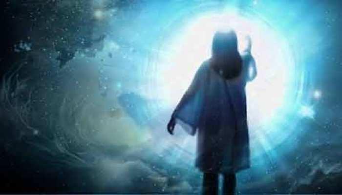 Pitru Paksha Dreams: पितृ पक्ष में आएं ऐसे सपने तो हो जाएं सावधान, गरुड़ पुराण में बताया गया है मतलब