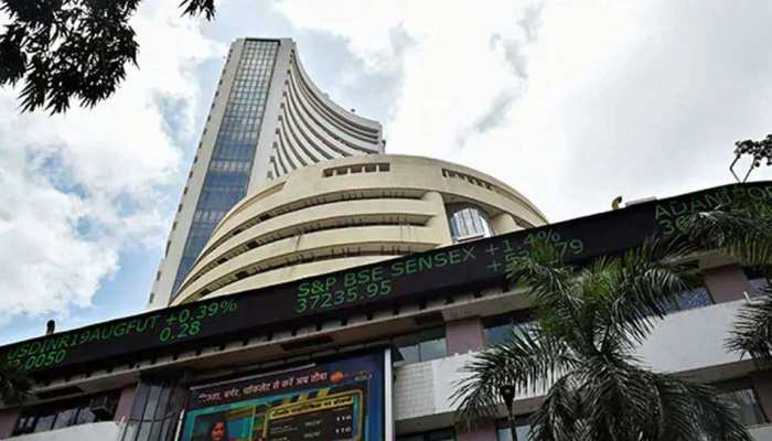 Stock Market: शेयर मार्केट ने तोड़े अब तक के सारे रिकॉर्ड, निवेशकों को करोड़ों का मुनाफा