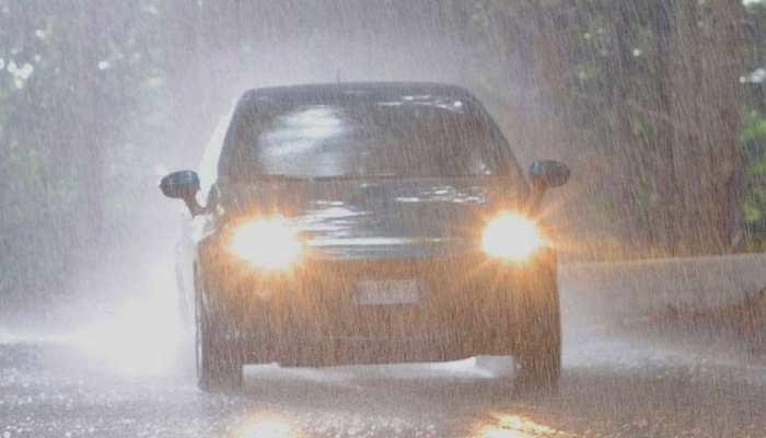 बरसात के मौसम में अपनी कार को सेफ रखने के लिए अपनाएं ये 10 टिप्स