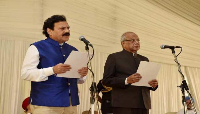 पंजाब के CM चरणजीत सिंह चन्नी ने मंत्रिपरिषद का पहला विस्तार किया; इन MLAs ने ली मंत्री पद की शपथ