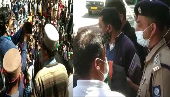 सीएम जयराम का विरोध करने के लिए जुटे कांग्रेसियों की पुलिस से नोकझोंक, इस वजह से हुई कहासुनी