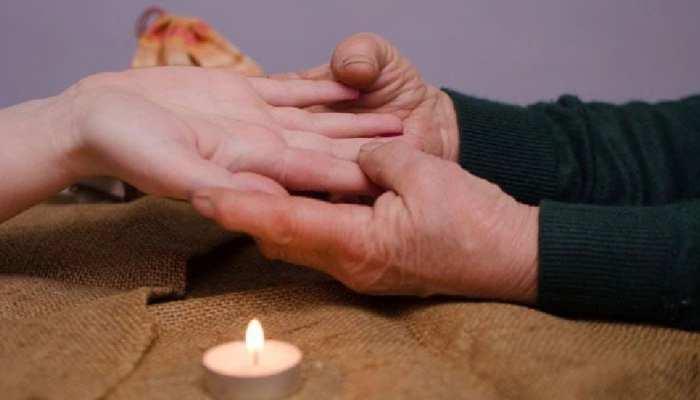 Palmistry: हाथ में ऐसी रेखा वाले फैसले लेने में करते हैं जल्दबाजी, बाद में होता पछतावा