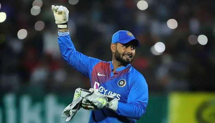 इन खिलाड़ियों के लिए 'विलेन' बने Rishabh Pant, एक का तो लगभग खत्म कर दिया करियर!