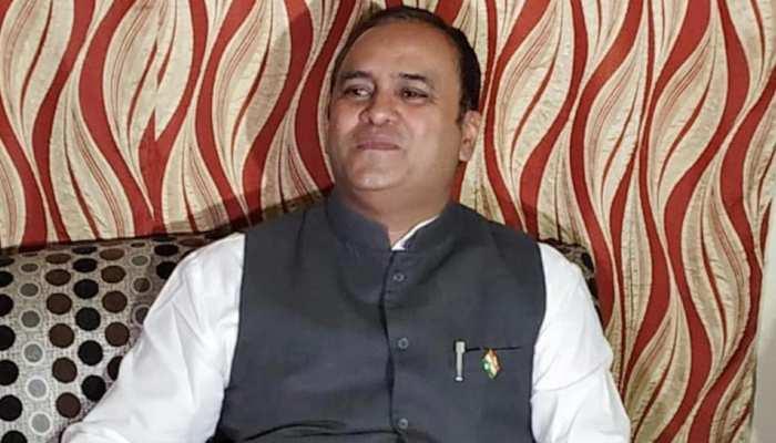 MP By Election: अरुण यादव के तेवरों ने बढ़ाई कांग्रेस की परेशानी, ट्वीट में लिखा- 'मेरे दुश्मन भी मेरे मुरीद हैं'