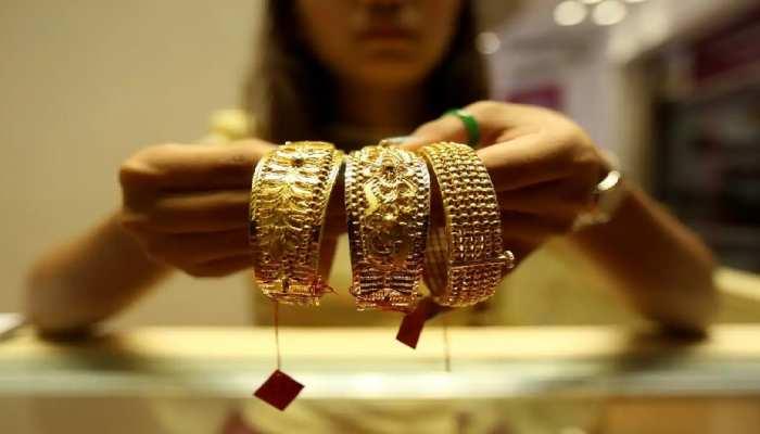 Gold Price Today: त्योहारी सीजन पर बढ़ी सोने-चांदी की मांग, फटाफट जानें दशहरे पर 10 ग्राम गोल्ड का रेट