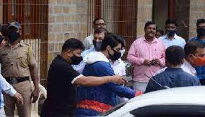 मुंबई ड्रग्स केस: आर्यन खान के साथ गिरफ्तार एक आरोपी ग्रेटर नोएडा का, NCB को इस बात की है आशंका!
