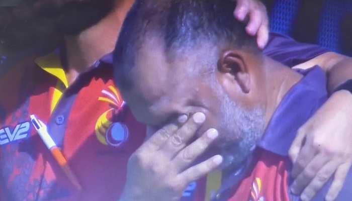 T20 World Cup शुरू होते ही इमोशनल तस्वीर वायरल, जानिए क्यों रोने लगे प्लेयर्स और सपोर्ट स्टाफ