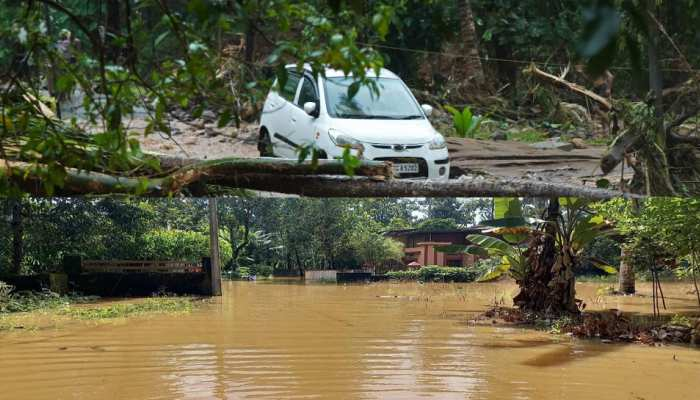 heavy rain makes flood tragedy and landslides in many parts of india, disaster pics from kerala south to north