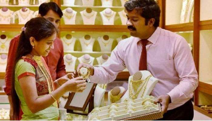 Guru Pushya Nakshatra Vishesh Sanyog October 2021 is very auspicious for Shopping before Diwali