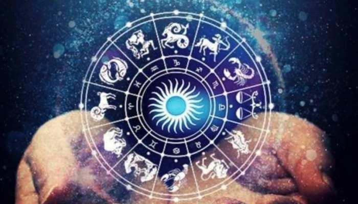 Horoscope October 22, 2021: प्रमोशन के लिए तैयार हो जाएं ये राशि के जातक, ढेर सारी खुशियां लेकर आएगा शुक्रवार
