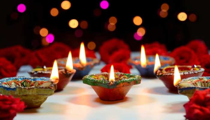 Vastu tips to get Devi Laxmi Blessings clean these 3 places  of the house on Dhanteras and Diwali