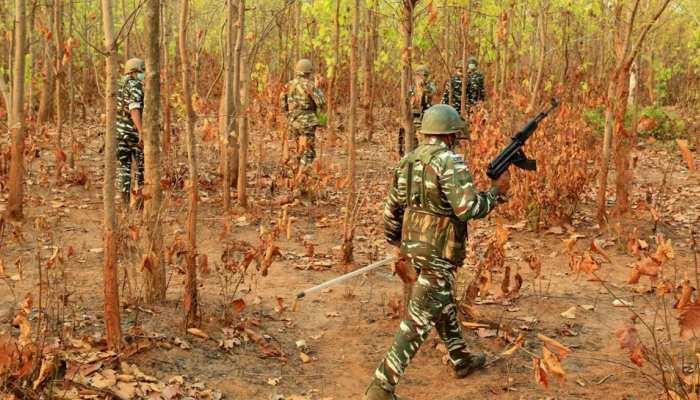 तेलंगाना में पुलिस की बड़ी कार्रवाई, 3 नक्सली ढेर; भारी मात्रा में हथियार बरामद