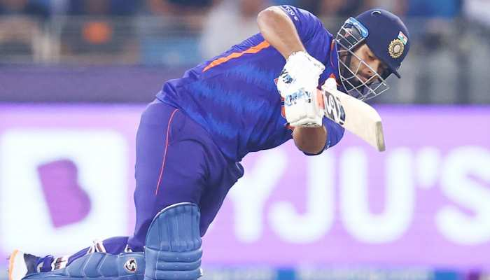 T20 World Cup: अब ऋषभ पंत की जगह पर लटकी तलवार, ये खिलाड़ी बन सकता है विकेटकीपर!