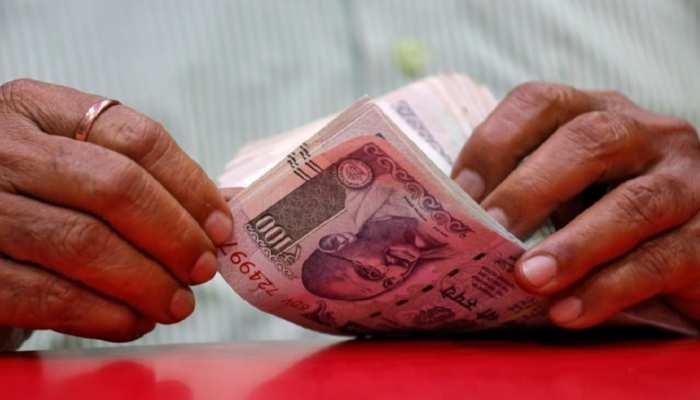 पैसों की तंगी से परेशान हो गए हैं? ये अचूक उपाय कर लें, बदल जाएगी किस्मत