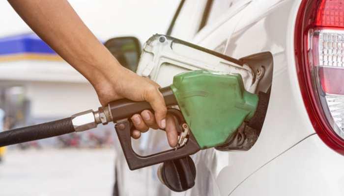 दीपावली पर आया 'जबरा' ऑफर, लपक लो; स्मार्टफोन खरीदने पर मिल रहा 1L फ्री पेट्रोल