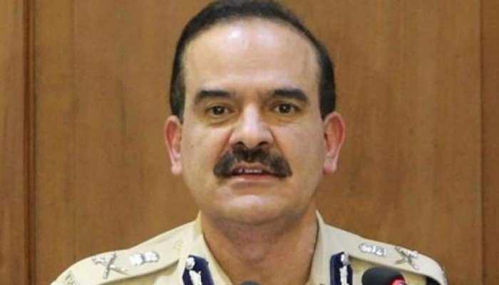 पूर्व पुलिस कमिश्नर परमबीर सिंह की मुश्किलें बढ़ीं, गैर जमानती वारंट जारी